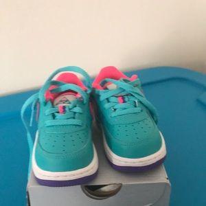 Cute toddler girl size 6c Nike sneakers